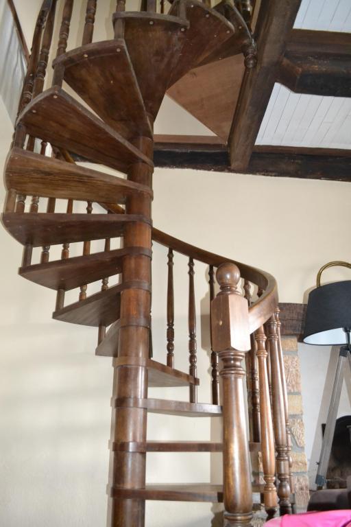 LA FOURNIERE escalier interieur
