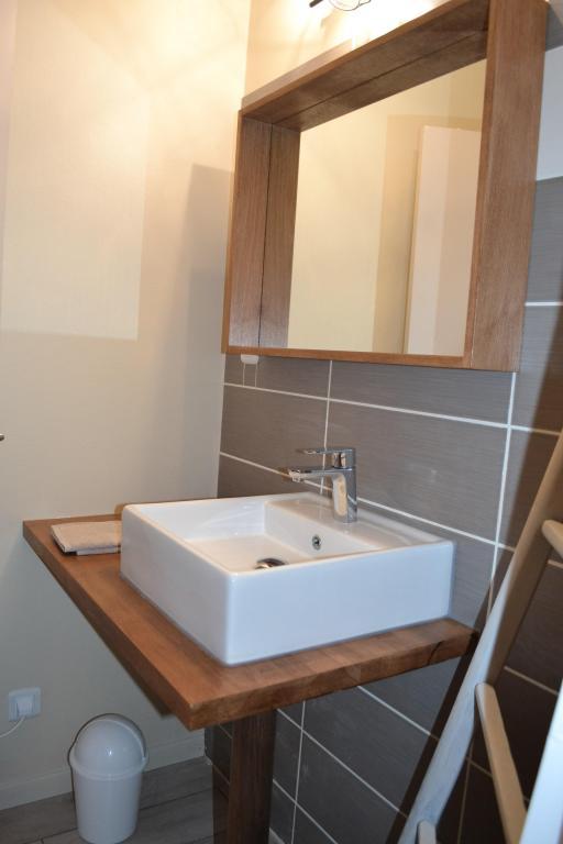 LA FOURNIERE salle de bain rez de chaussée