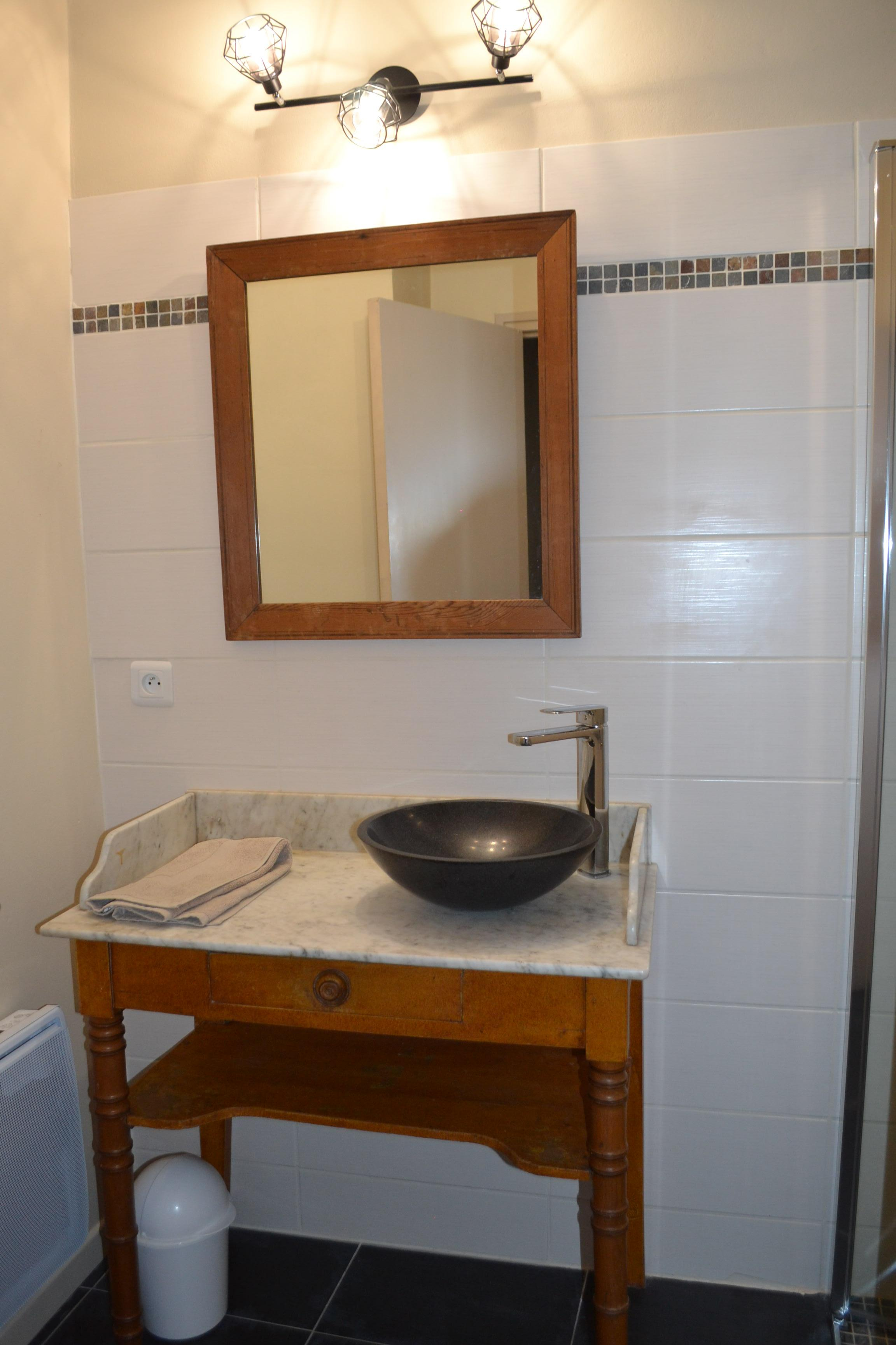 LA FOURNIERE salle de bain 1er étage